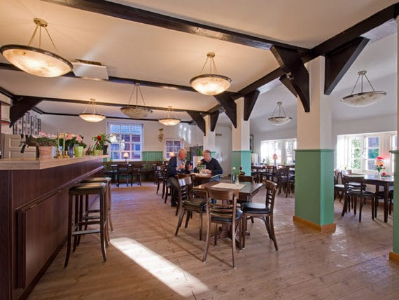 restaurant-moorlose-kirche-innen-g3