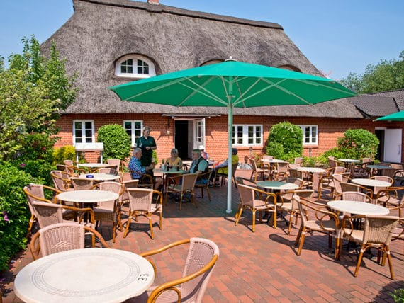 restaurant-zur-moorlosen-kirche-sommerterasse-g1