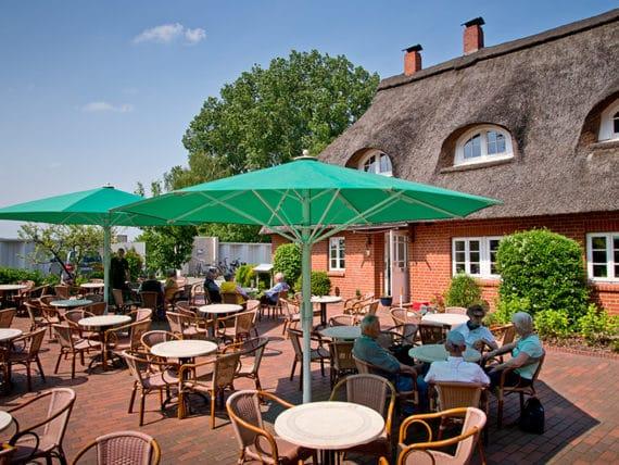restaurant-zur-moorlosen-kirche-sommerterasse-g6