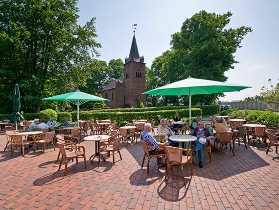 restaurant-zur-moorlosen-kirche-sommerterasse-g9